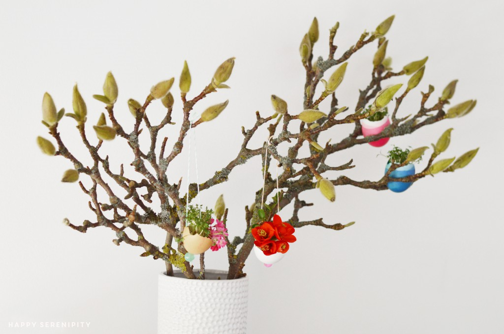 flowers in eggs_urban jungle bloggers_spring decoration_hanging gardens_hanging egg pots_hanging eggs_egg planters_happy serendipity_blumen in eiern_eier dekoration_easter_ostern_oster dekoration_house jungle