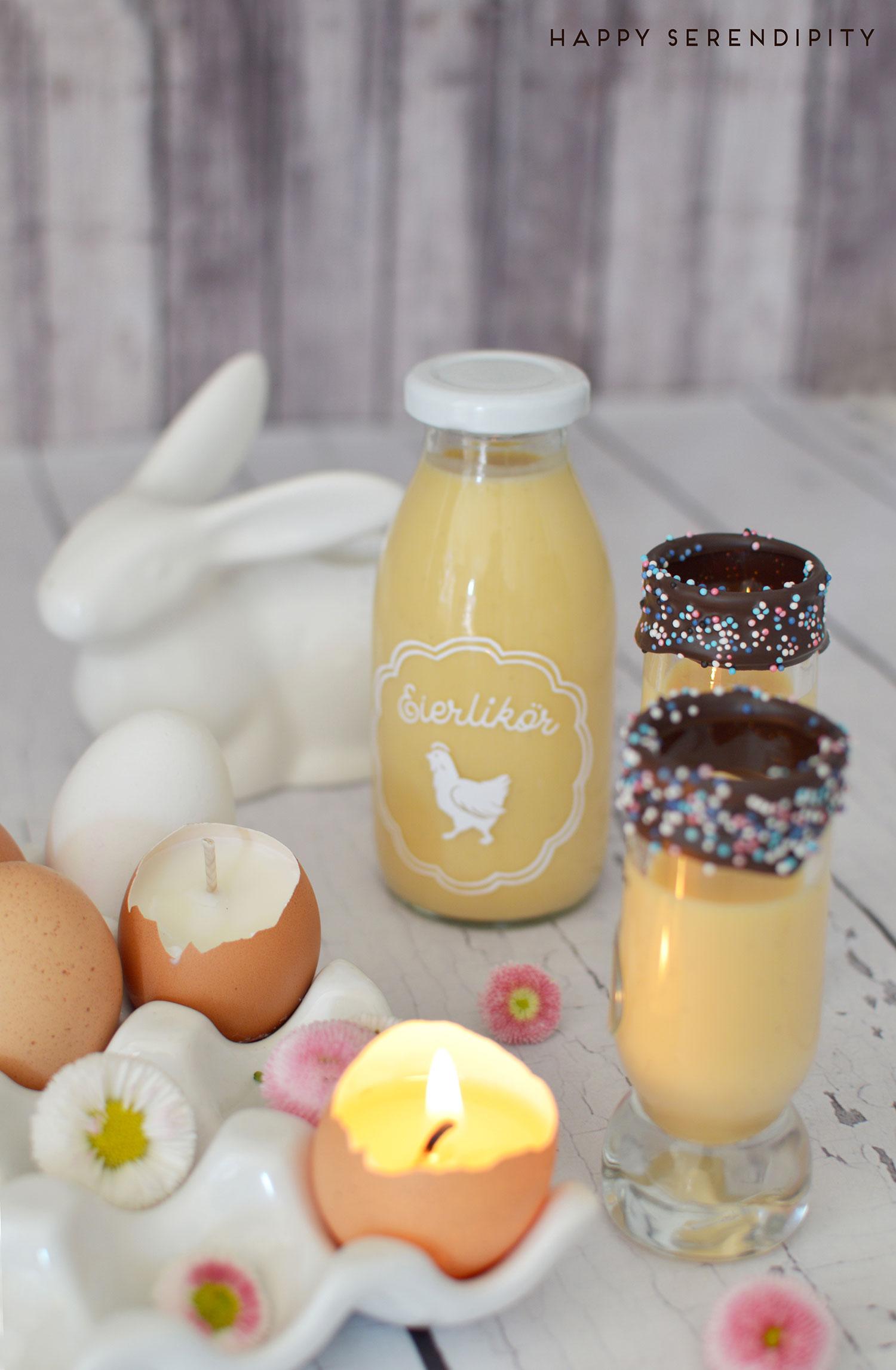 leckeres und dekoratives für den ostertisch, eierlikoer rezept, glaeser mit schokoladenrand, gesehen auf www.happyserendipity.com