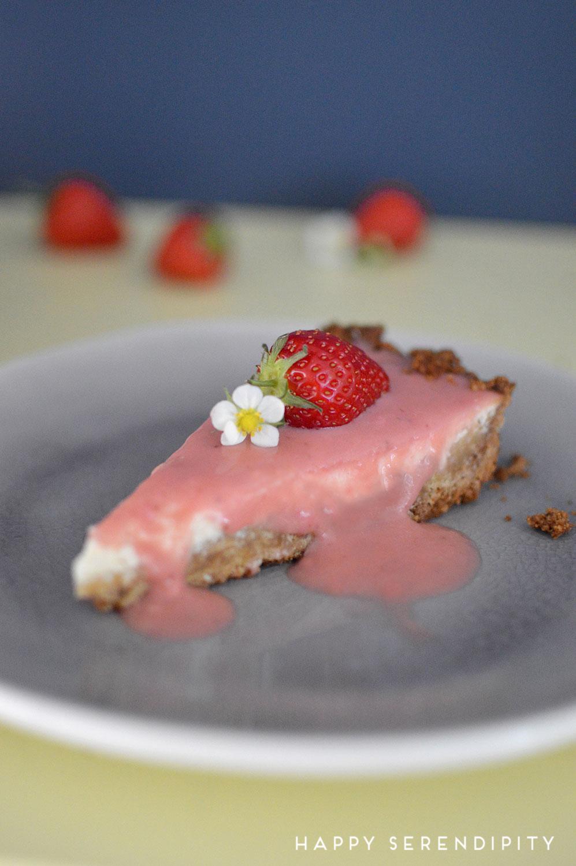 rezept erdbeer curd cheesecake aus meine kreative tortenwerkstatt von judith bedenik, emf verlag, vorgestgellt von happy serendipity