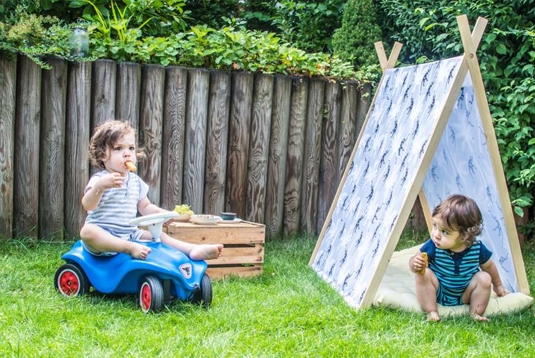 Iglo-Spielehaus-Für-das-Picknick-im-Garten-Eine-DIY-Idee-von-Happy-Serendipity