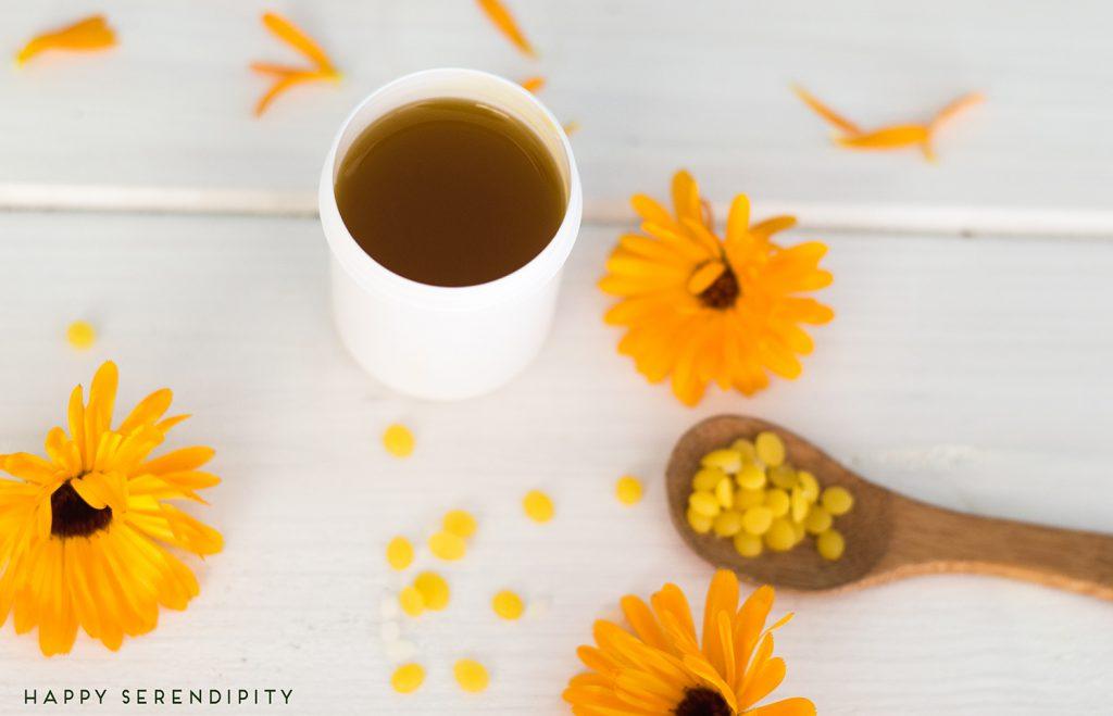 ringelblumensalbe selbermachen ist nicht schwer, mit diesem rezept gelingt es dir garantiert, von happy serendipit