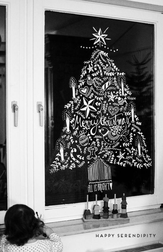 diy opulente weihnachtliche fensterdeko mit kreidemarker happy serendipity. Black Bedroom Furniture Sets. Home Design Ideas